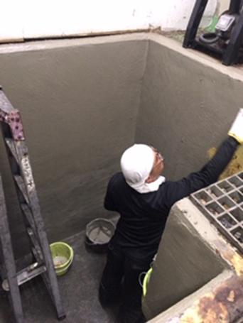 廃液 貯水槽 塗装中